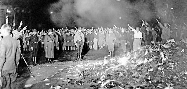 queima de livros nazista 1