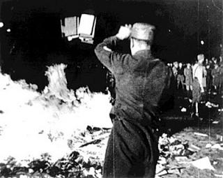 queima de livros nazista 2
