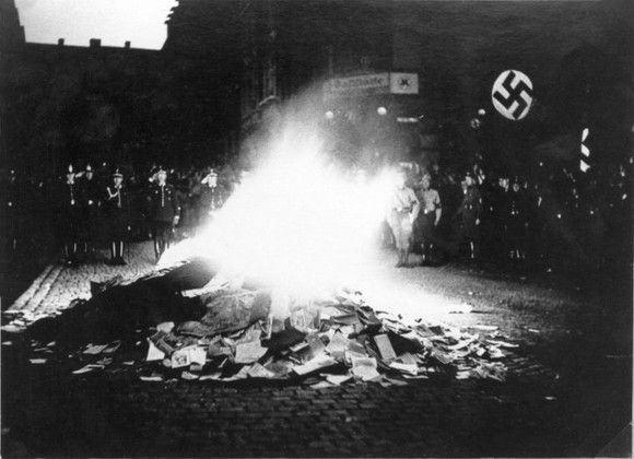 queima de livros nazista 4