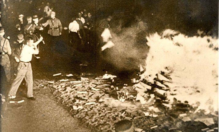 queima de livros nazista 7