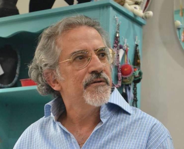 Santiago nos 25 anos da Livraria Bamboletras