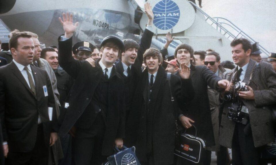 Há 57 anos, os Beatles chegavam aos EUA deixando 73 milhões grudados na TV